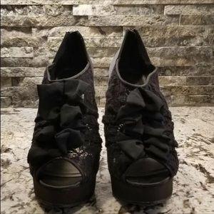 Kardashian Kollection Shoes - Khardashian kollections sz 8.5 black lace shoes